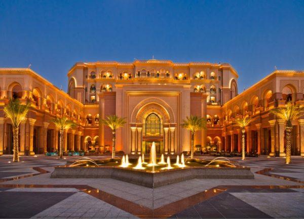 Du lịch Dubai - khách sạn Emirates Palace