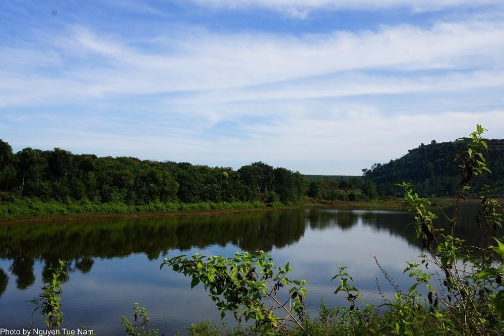 Hồ nhân tạo lớn nhất Việt Nam - Hồ Trị An