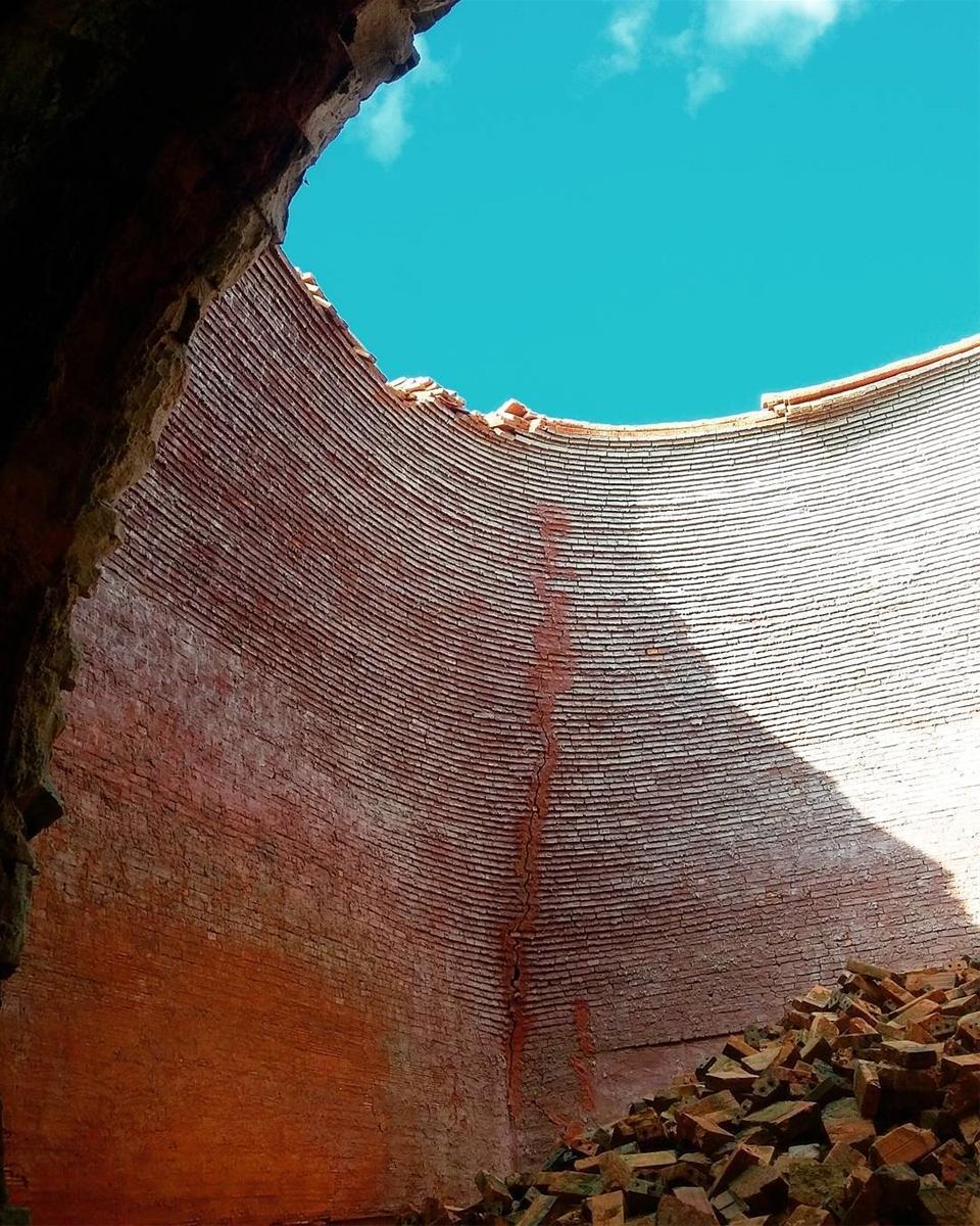 Những địa điểm bị bỏ hoang đẹp - Lò gạch nung Đồng Tháp