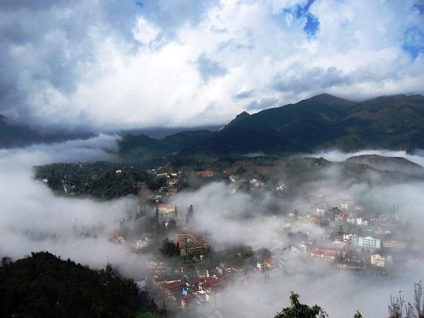 """Thành phố """"mù sương"""""""