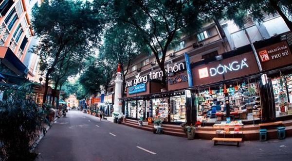 Đường sách Nguyễn Văn Bình nổi tiếng ở Sài Gòn