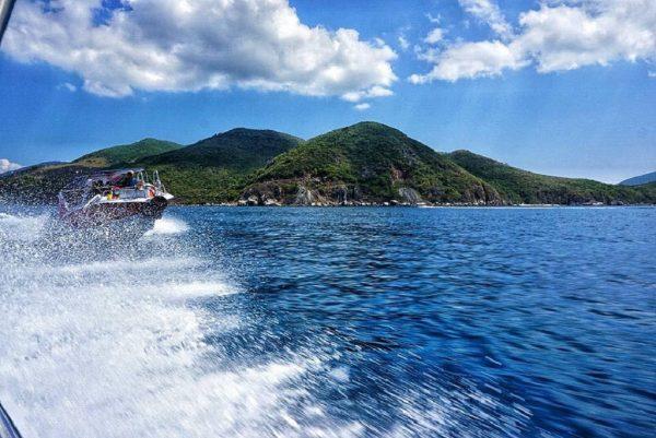 Tour cano Nha Trang tham quan nhiều nơi