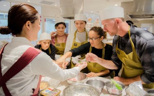 Tham gia các lớp học nấu ăn