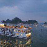 Khám phá loại hình du lịch du thuyền trên vịnh Hạ Long