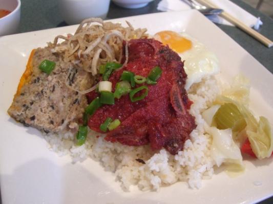 Cơm tấm Huỳnh Nhu nổi tiếng